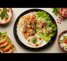 Viande mixte grillée-salade-hommos